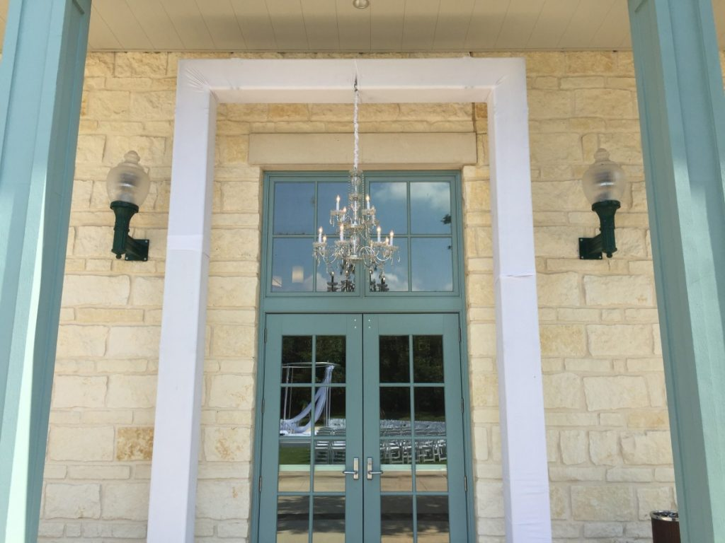 Truss Sleeved Arch - With Chandelier