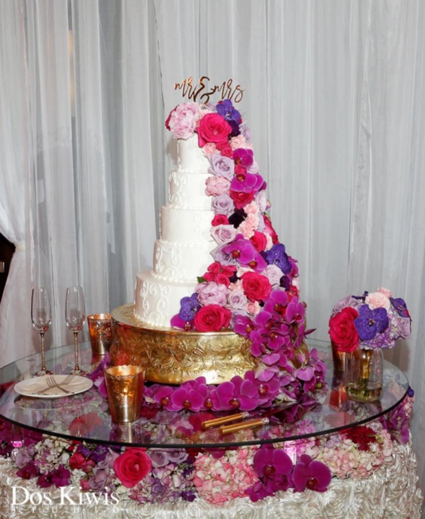 Custom Glass Cake Riser Decor with Gold Cake Stand