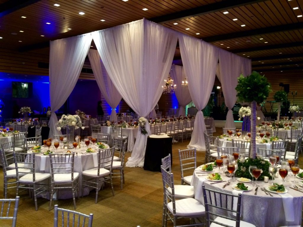 Pipe & Draping around Head Table