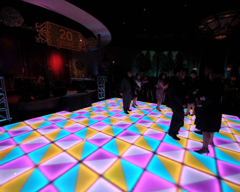 LED Dance Floor Can Create Many Different Colors and Patterns