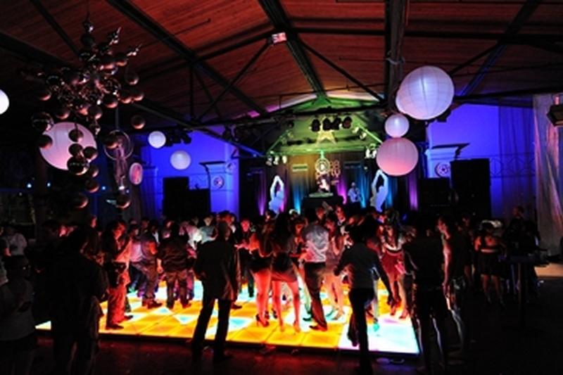 Beat to the Music Lighting and LED Dancefloor