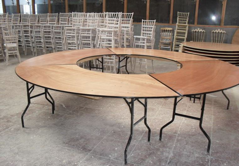 4 Serpentine Tables in Full Circle